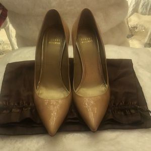 Stuart Weitzman Nude Nouveau Patent leather Pumps